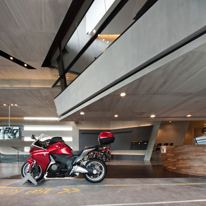 Honda BigWing showroom by Whitespace 05 Honda BigWing showroom by Whitespace, Thailand