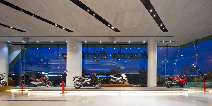 Honda BigWing showroom by Whitespace 07 Honda BigWing showroom by Whitespace, Thailand