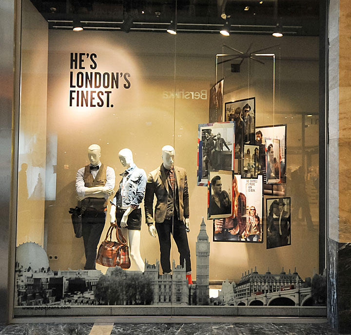 Pepe jeans window displays autumn 2012 budapest retail for Show window designs