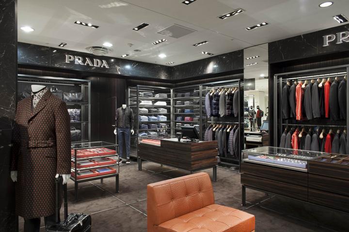 Prada Men S Corner At Printemps By Roberto Baciocchi Paris Retail Design Blog