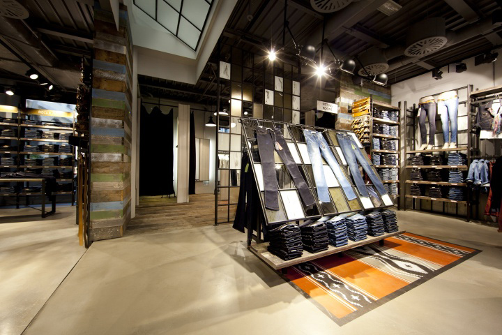 Wrangler store by checkland kindleysides leipzig retail for Interior design retail agency