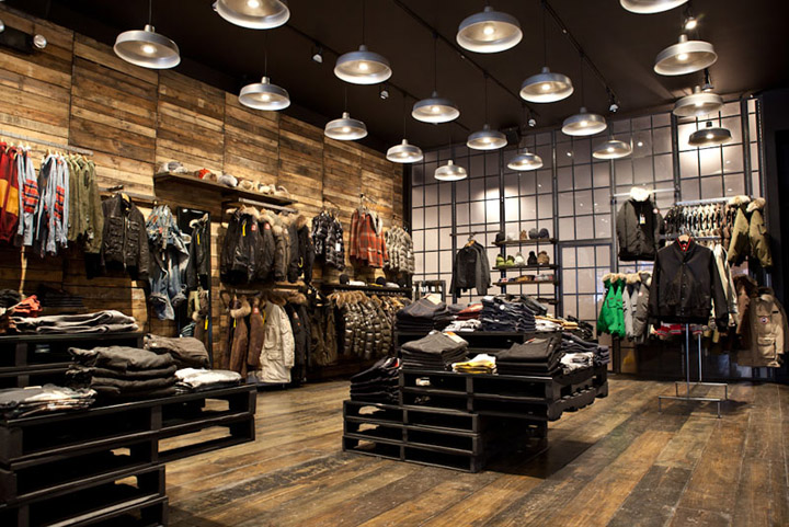 Magasin Diesel Decoration