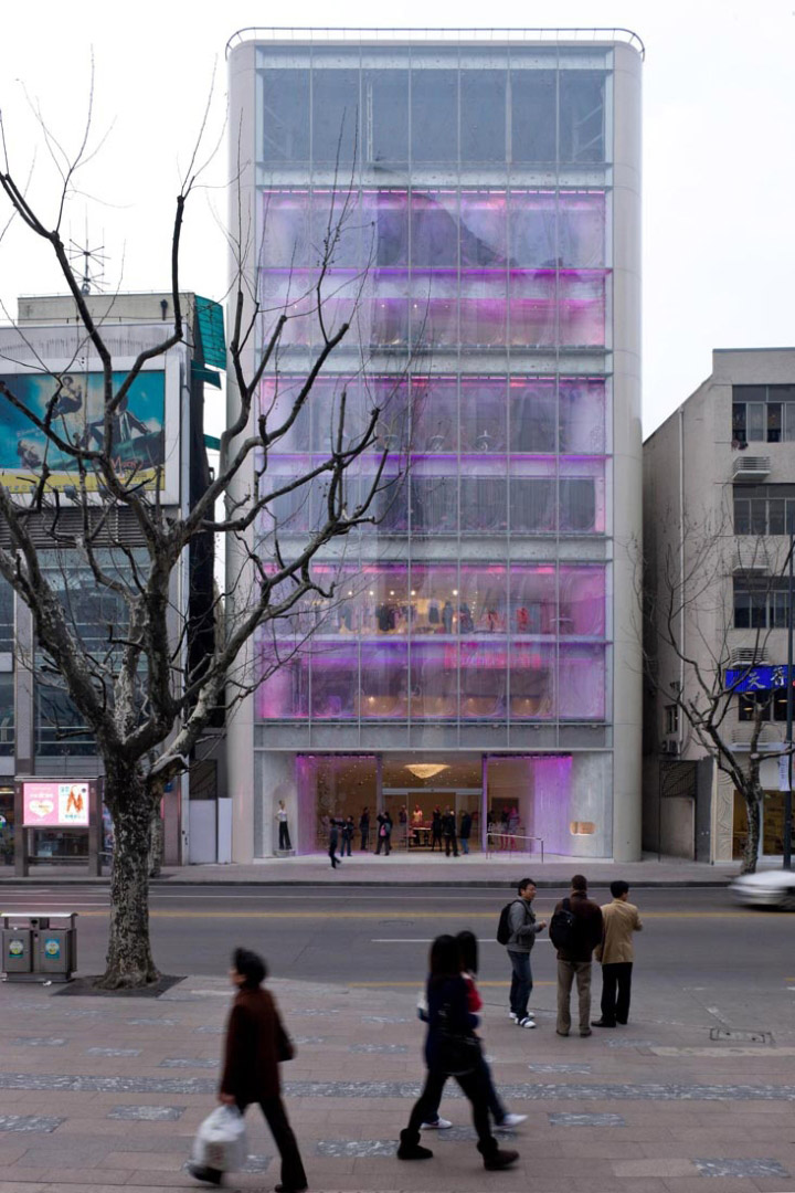 » Barbie flagship store by Slade Architecture, Shanghai