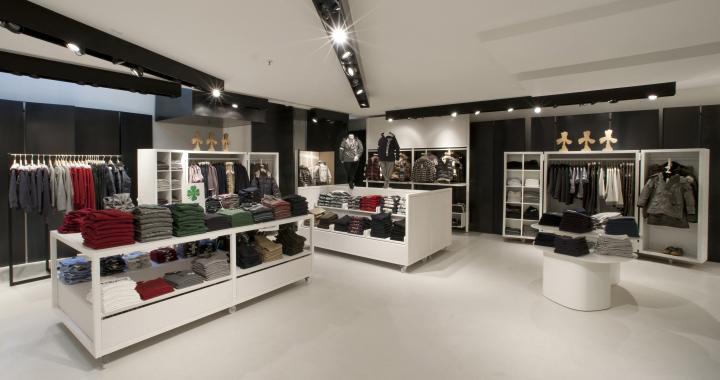 Benetton tienda por Piero Lissoni Milan 06 flagship store Benetton por Piero Lissoni, Milan