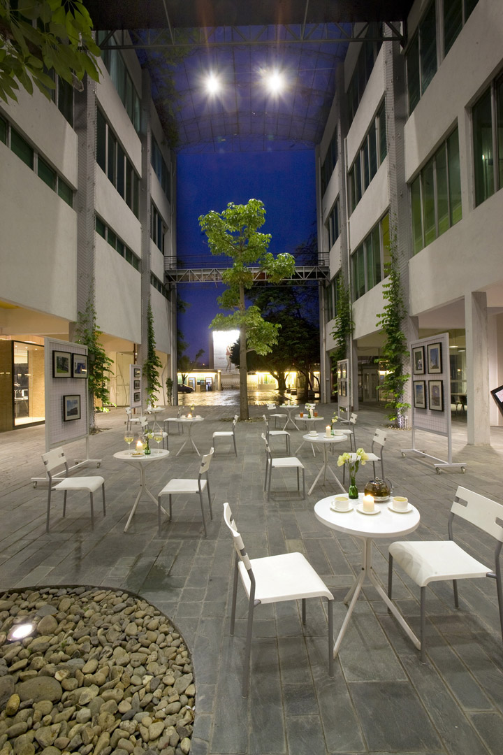 goelia headquarter by clifton leung design workshop guangzhou china retail design blog. Black Bedroom Furniture Sets. Home Design Ideas