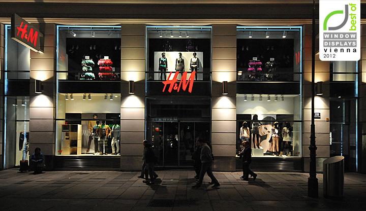 h m window displays autumn 2012 vienna retail design blog. Black Bedroom Furniture Sets. Home Design Ideas