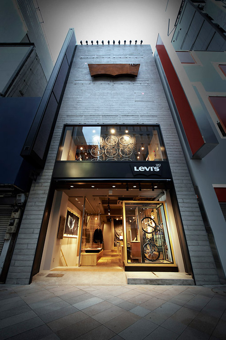 Front Elevation Of Showroom : Levi s shinjuku store tokyo retail design