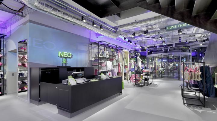 阿迪达斯的NEO旗舰店,柏林