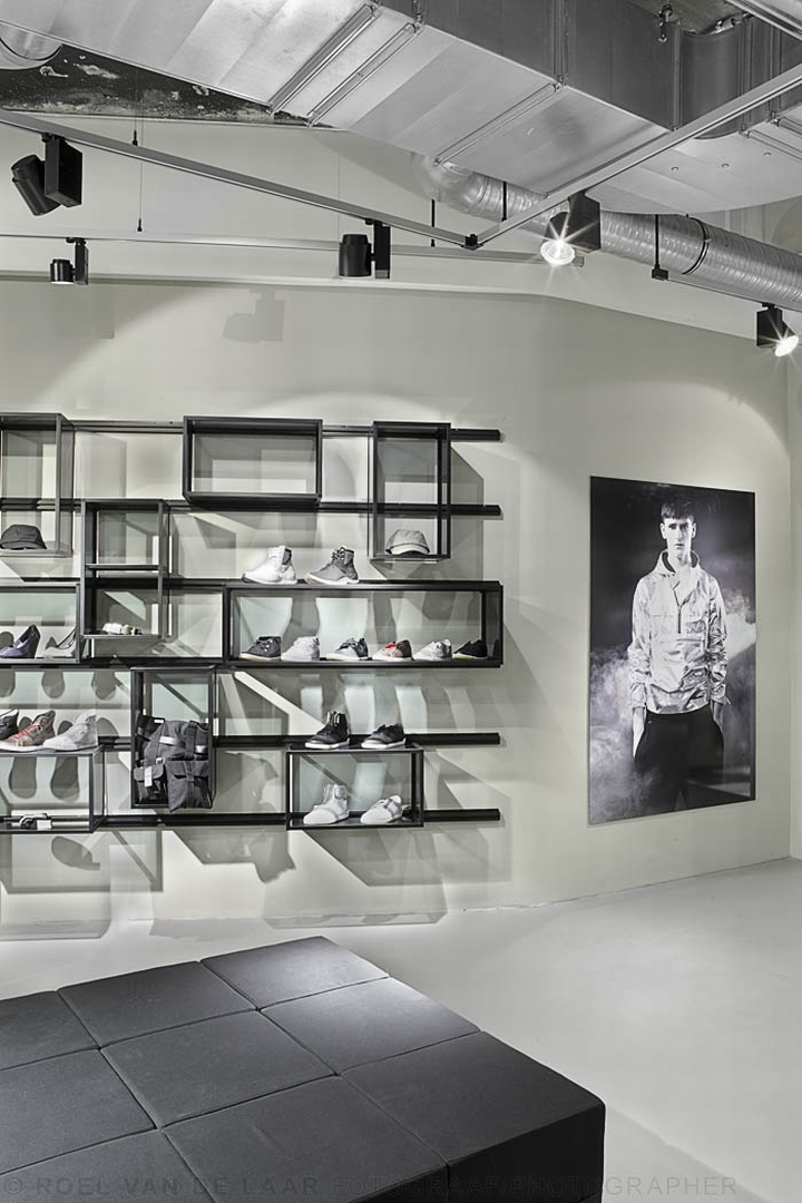adidas pop up store by alu benelux d sseldorf. Black Bedroom Furniture Sets. Home Design Ideas