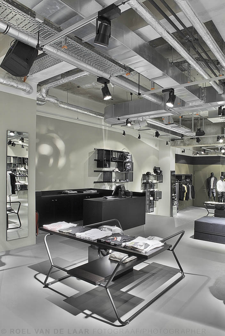 adidas pop up store by alu benelux d sseldorf retail design blog. Black Bedroom Furniture Sets. Home Design Ideas