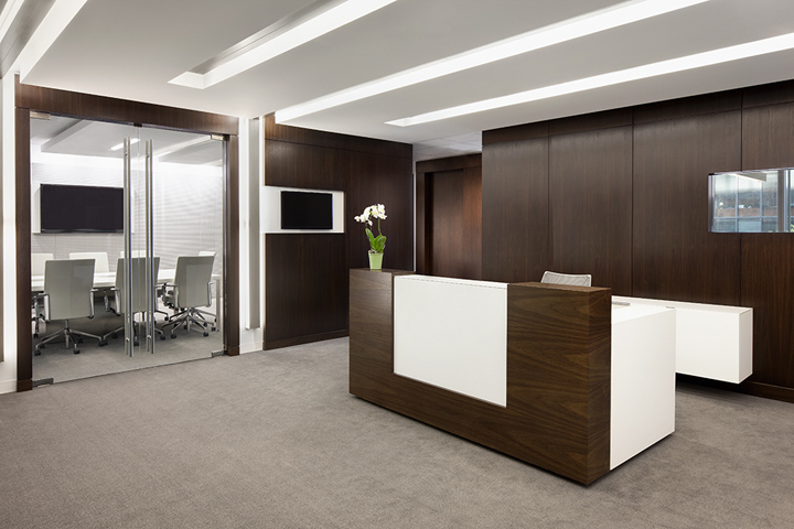 Cctv offices by lawson architecture workspaces llc for Md table design