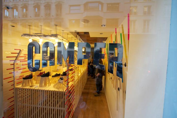 Camper instalación taller de François Dumas Paris 08 Instalación tienda Camper por François Dumas, Paris