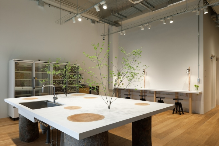Hue plus photo studio by schemata architects tokyo for The space studio architects