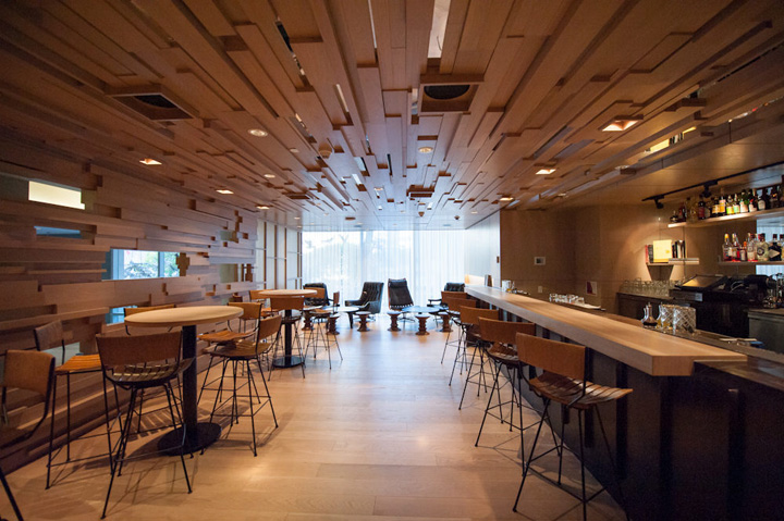 Momofuku restaurant by james k m cheng the design