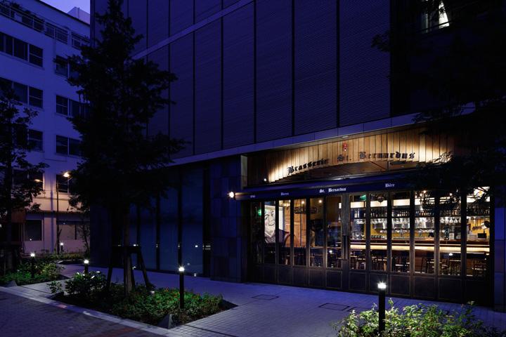 St Bernardus brasserie por Doyle Colección Tokyo brasserie 13 St.Bernardus por Doyle Colección, Tokio
