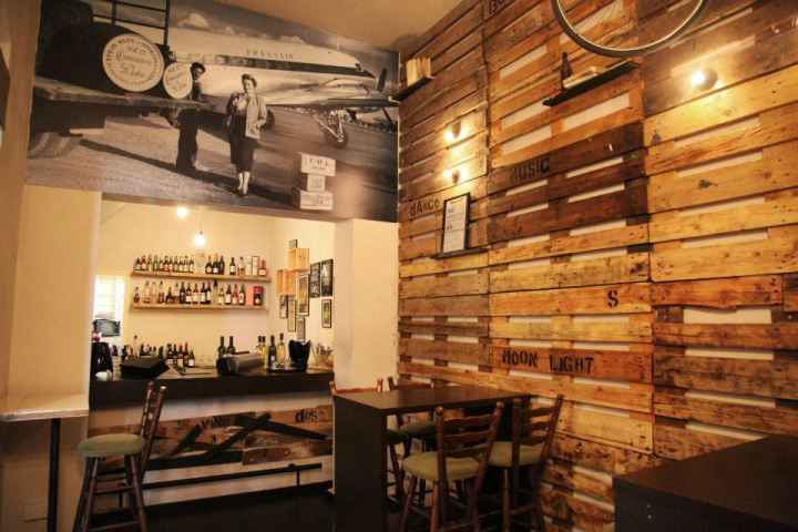 http://retaildesignblog.net/wp-content/uploads/2012/11/Viejo-1907-bar-by-mush-room-studio-Paphos-01.jpg