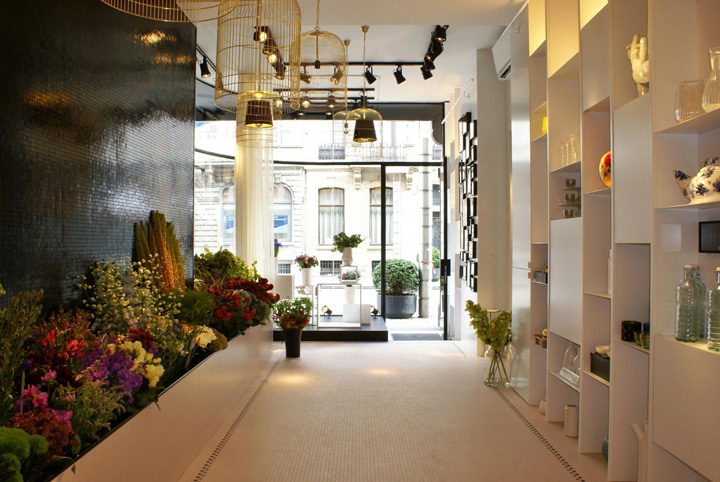 Bos bloemen flower store by juma architects ghent for Flower shop design layouts