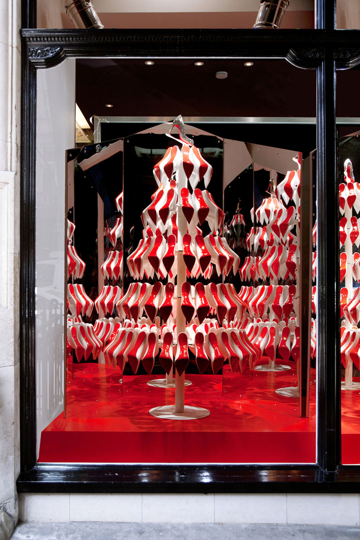 Christian Louboutins Christmas tree display 02 Christian Louboutins Christmas tree display by StudioXAG