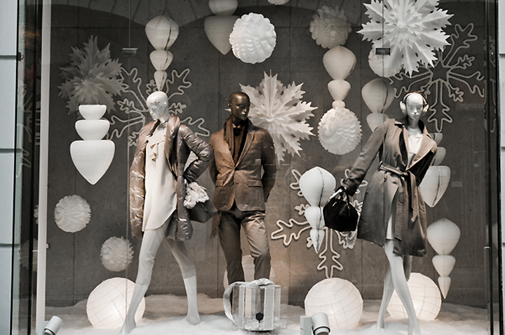 K&Ö Ice Princess Christmas windows, Graz » Retail Design Blog