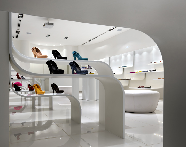 Melissa flagship store by blu water studio kuala lumpur for Interior design for shoes shop