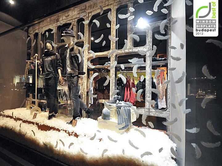 Christmas Window Ideas For Retail.Replay Christmas Windows 2012 Vienna