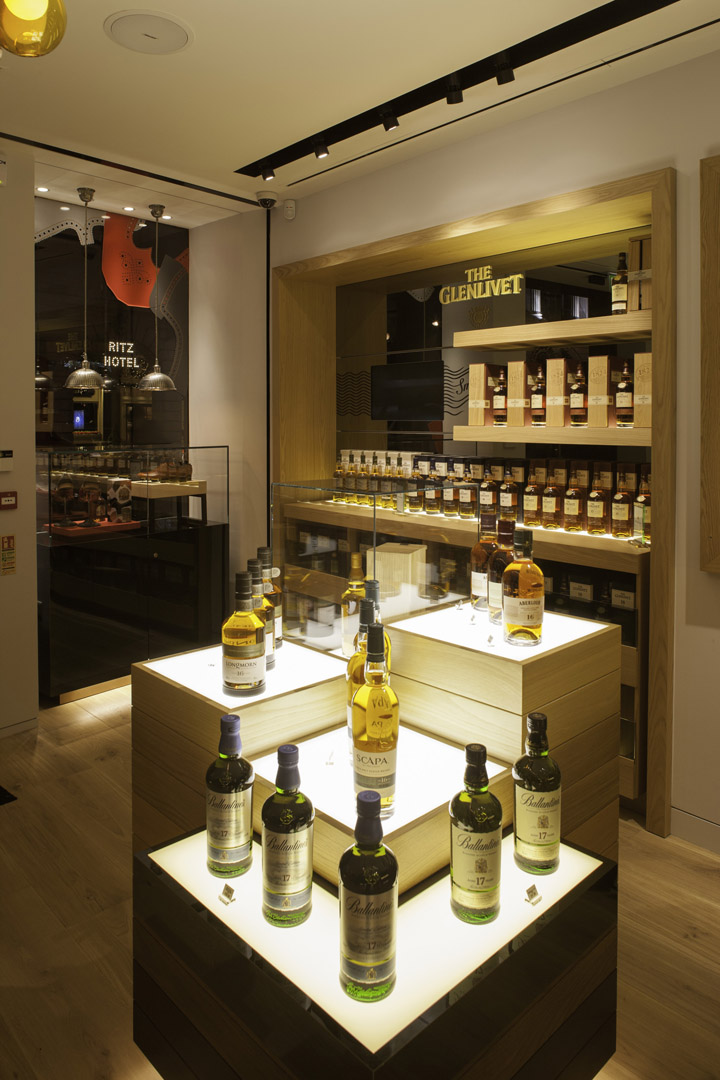 u00bb the whisky shop flagship store by gpstudio  london