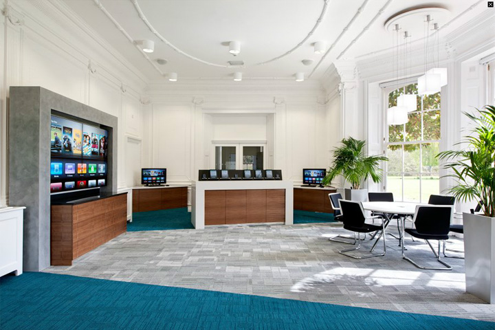 Citrix office by area sq uk retail design blog for Real estate office interior design