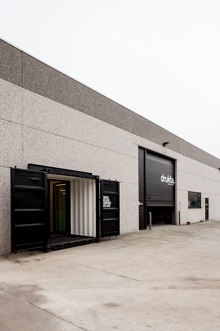 drukta and formail offices by five am kortrijk belgium. Black Bedroom Furniture Sets. Home Design Ideas