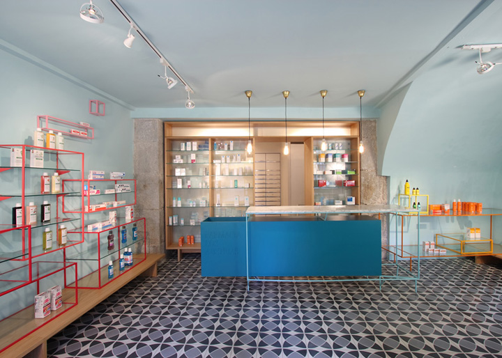 Farmacia de los Austrias pharmacy by Stone Designs, Madrid ...