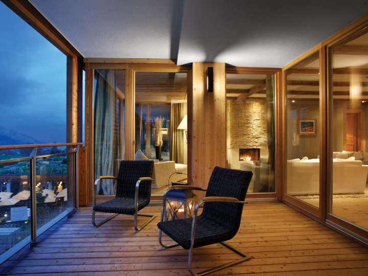 Kempinski das tirol hotel jochberg austria retail for Tirol designhotel