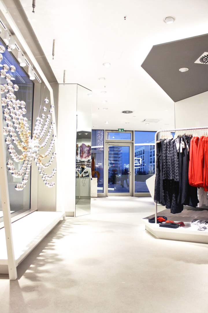 187 La Chemise High End Fashion Boutique By Sa Czi Design