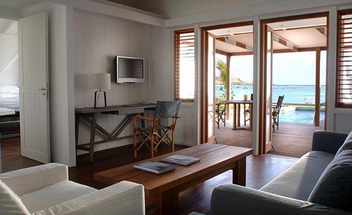 captivating tropical touches living room | » Le Sereno by Christian Liaigre, Saint-Barthelemy
