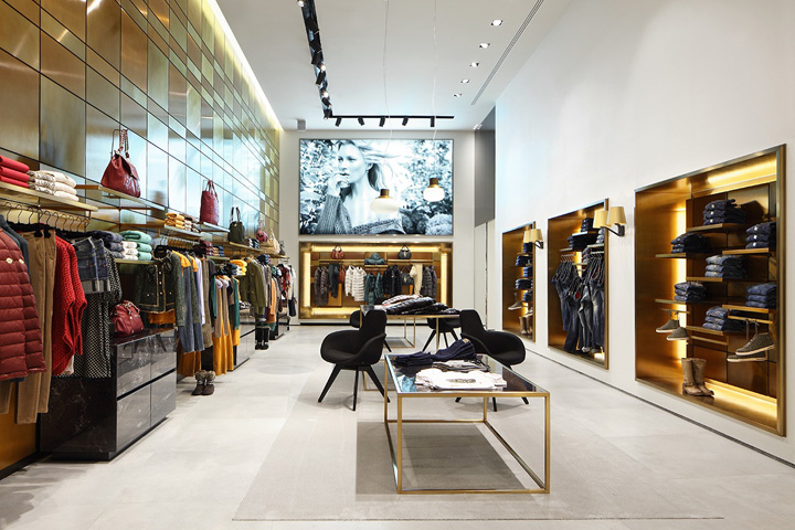 Liu jo grand boutique by christopher g ward milan for Boutique design