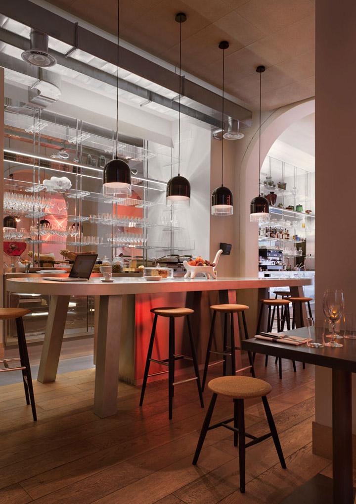 Pisacco bistro by vudafieri saverino milan retail