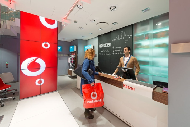 Vodafone flagship store by KMS BLACKSPACE Cologne 03 Vodafone flagship store by KMS BLACKSPACE, Cologne