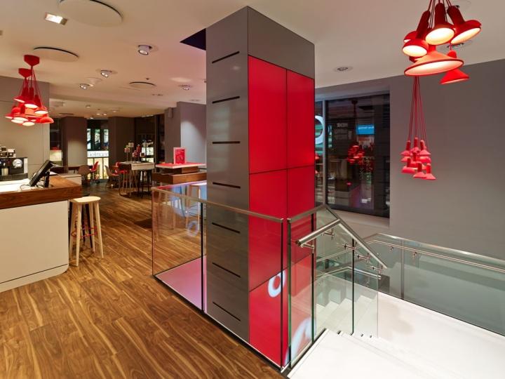 Vodafone tienda insignia por BLACKSPACE KMS Colonia 13 flagship store por Vodafone KMS BLACKSPACE, Colonia