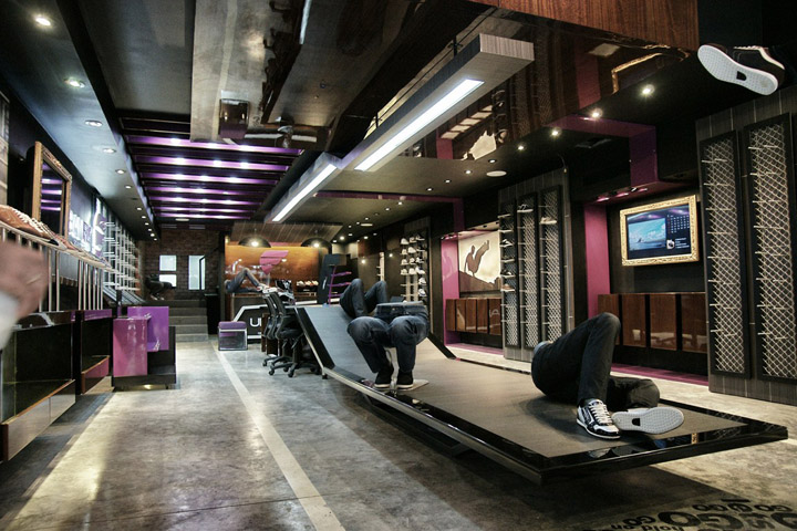 Urban Fly Concept Store By Dek O Colon Panama Retail Design Blog