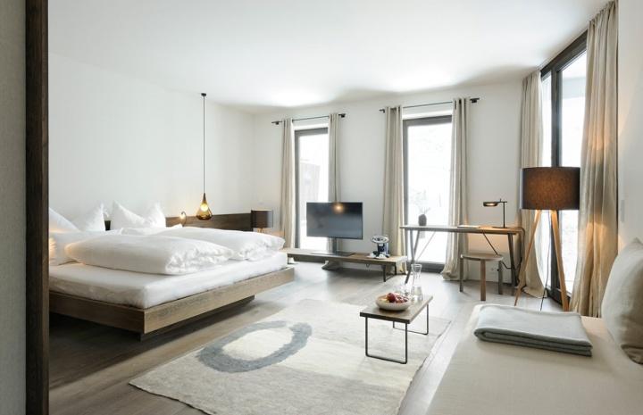Wiesergut hotel by gogl partners architekten for Designhotel wiesergut