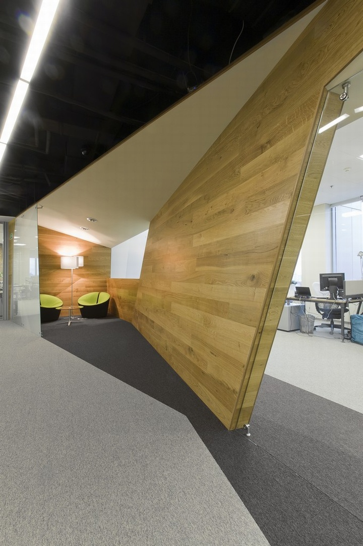 Yandex office by za bor architects yekaterinburg russia for Office wall interior