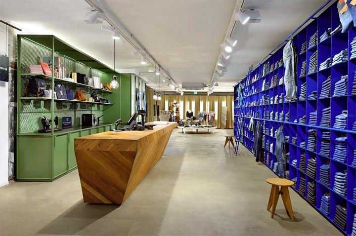 De Rode Winkel store by VEVS Interior Design, Woerden