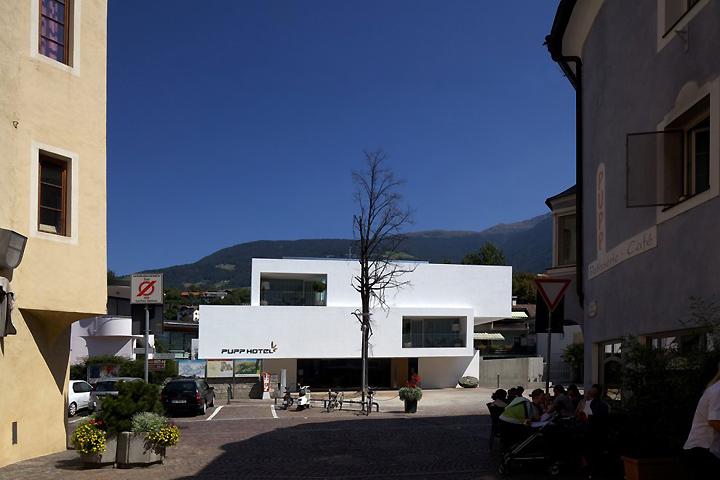 Hotel pupp by bergmeisterwolf architekten brixen italy for Gunter richard wett