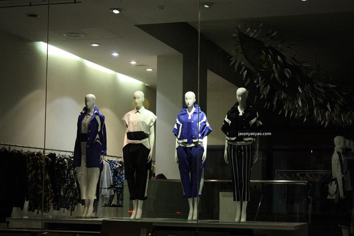 issey miyake windows at conduit street london retail. Black Bedroom Furniture Sets. Home Design Ideas