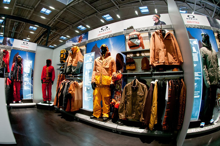 Oakley Stand At ISPO By Green Room, Munich » Retail Design Blog