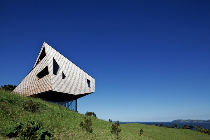 Refugia hotel by mobil arquitectos dalcahue chile for Architektur chile