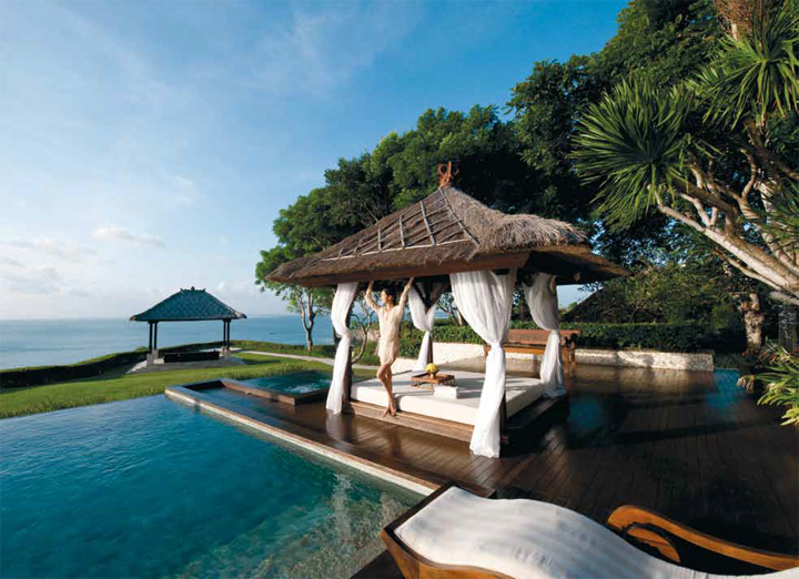 Waterfront resort hotels ayana resort and spa bali for Best hotels in bali