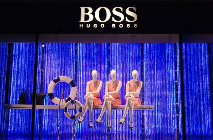 Hugo boss swimming pool windows paris retail design blog for Pool design studio paris