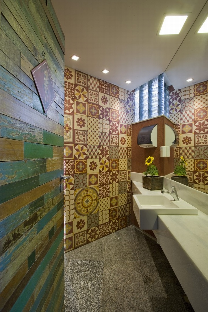 Vila giannina italian restaurant by david guerra belo - Restaurant bathroom design ideas ...