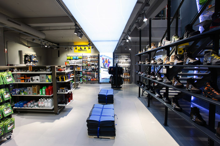 bever outdoor travel store by storeage rotterdam retail design