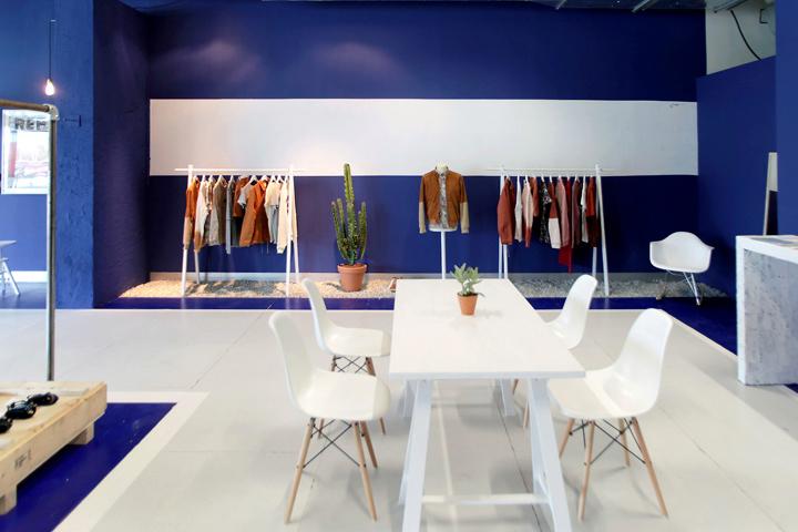 brooklyn we go hard pop up store paris. Black Bedroom Furniture Sets. Home Design Ideas