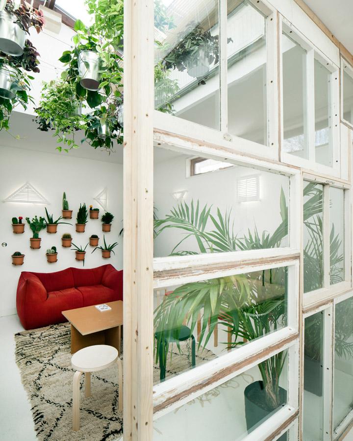 » Dezeen Watch Store Office By POST-OFFICE, London